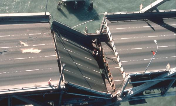 Erdbebenschaden der Bay-Bridge in San Francisco<br />beim Loma Prieta Erdbeben von 1989